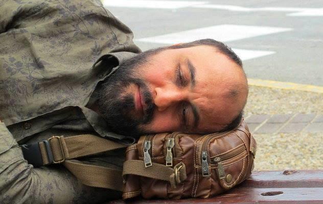 """""""ردکارپت"""" رضا عطاران متقاضی اکران در ماه رمضان/ """"دربست آزادی"""" جایگزین """"اشباح"""""""