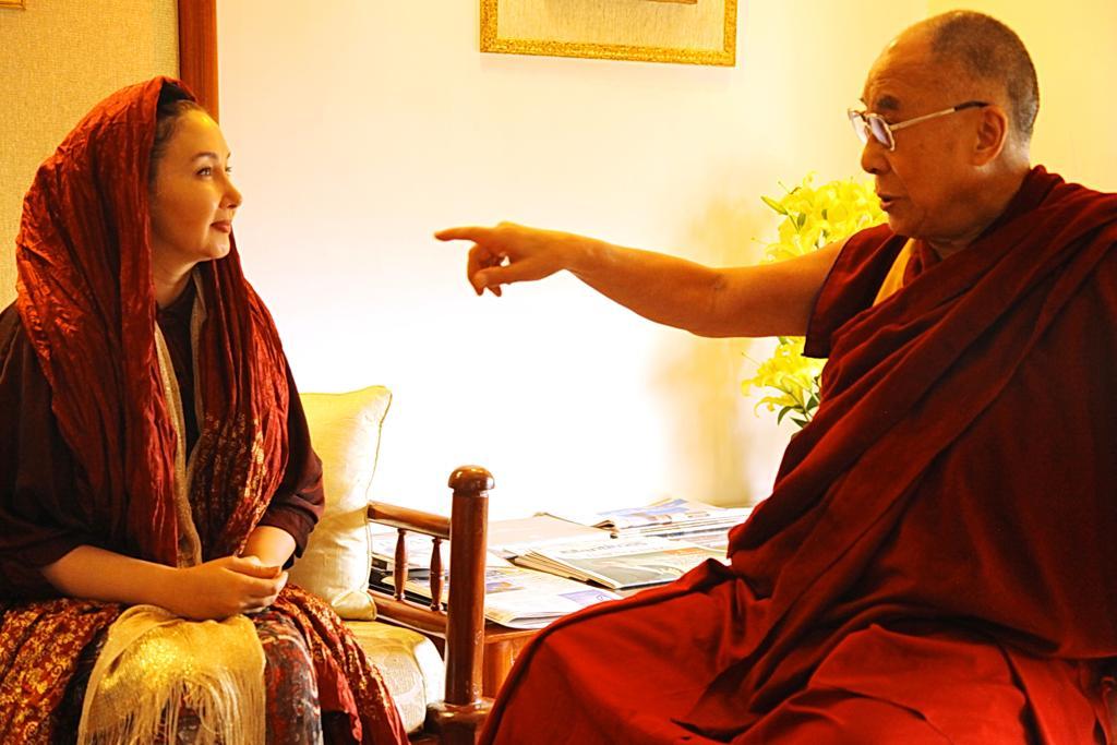 هم خانواده صلح دیدار کتایون ریاحی با دالایی لاما و مسلمانان رانده شده ...