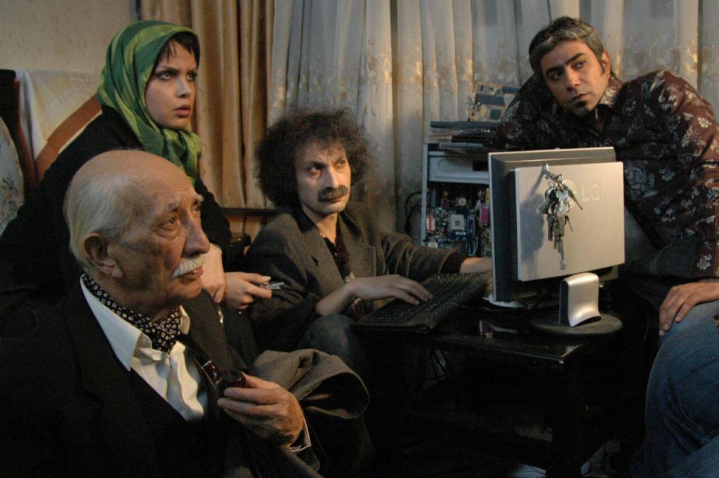 معرفی فیلم «12 صندلی»، عکس های فیلم، پشت صحنه، پوستر و آنونس