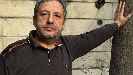ابوالقاسم طالبی کارگردان «یتیم خانه ایران» در بیمارستان بستری شد