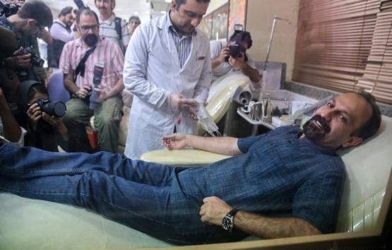 اصغر فرهادی به نفع مردم غزه خون داد +واکنش فرهادی  به فجایع غزه