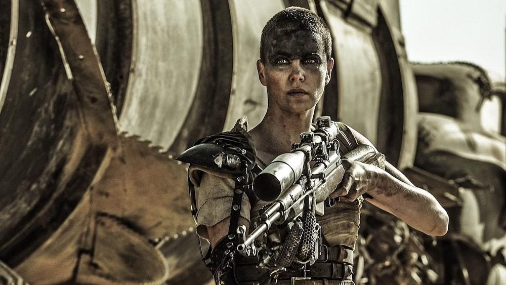 بهترین فیلم های سینمایی اکشن در تاریخ سینما - مکس دیوانه: جاده خشم (Mad Max Fury Road)