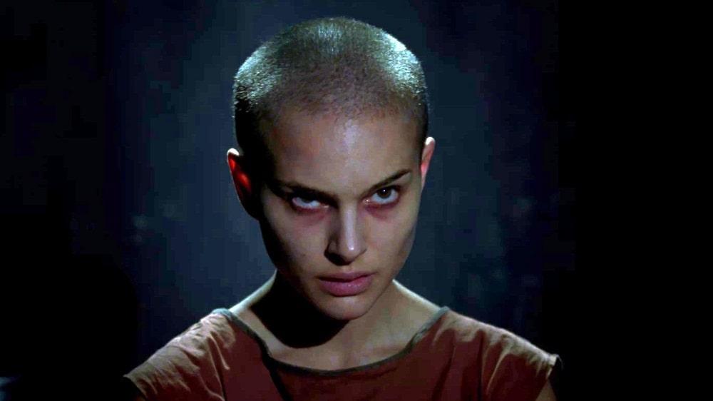 بهترین فیلم های سینمایی اکشن در تاریخ سینما - وی مثل ونتدا (V for Vendetta)