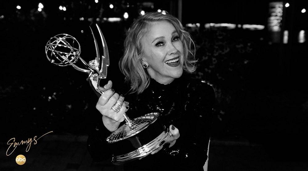 کاترین اوهارا - برنده جایزه بهترین بازیگر زن سریال کمدی در امی 2020