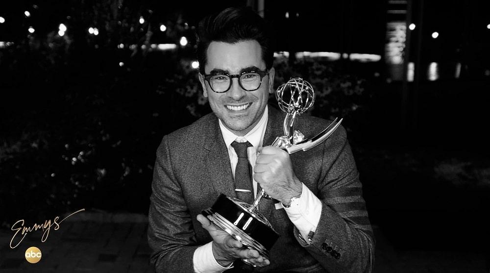 دن لوی - برنده جایزه بهترین بازیگر نقش مکمل مرد سریال کمدی امی 2020