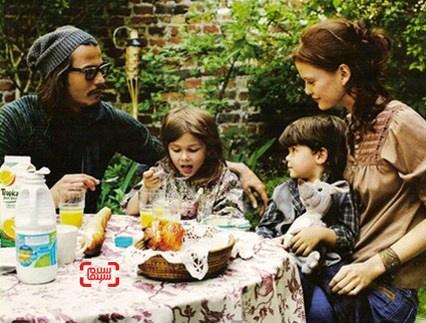 جانی دپ در کنار همسر و فرزندانش