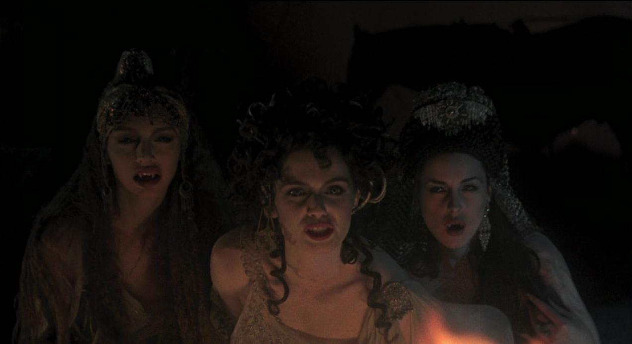 مونیکا بلوچی در فیلم دراکولای برام استوکر