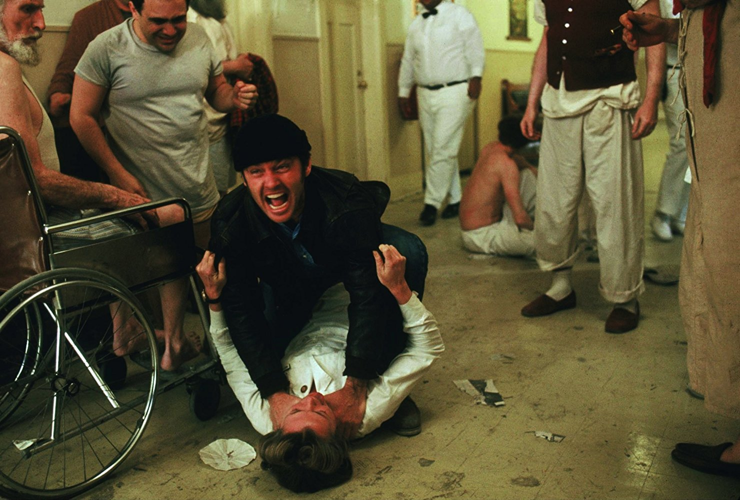 """نمایی از فیلم """"دیوانه از قفس پرید"""""""