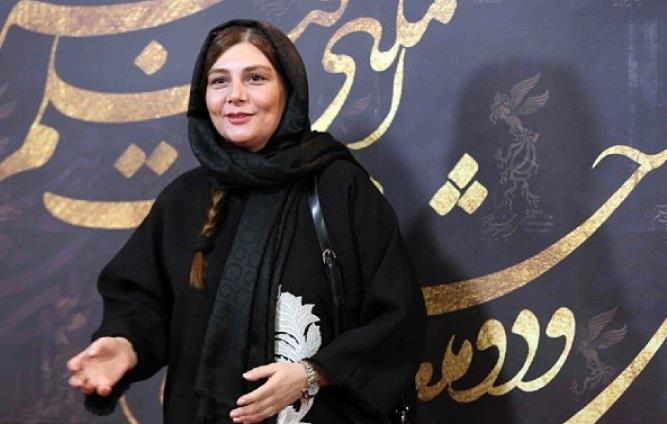 هنگانه قاضیانی اختتامیه سی و دومین جشنواره فیلم فجر