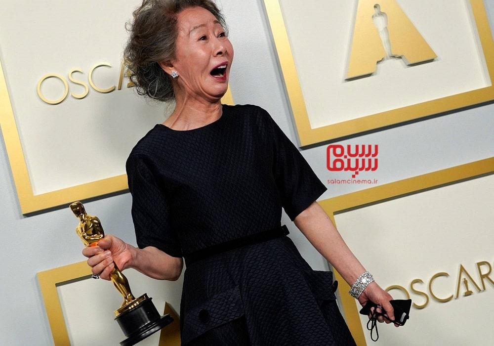 یون یو جونگ، ستارهی فیلم میناری