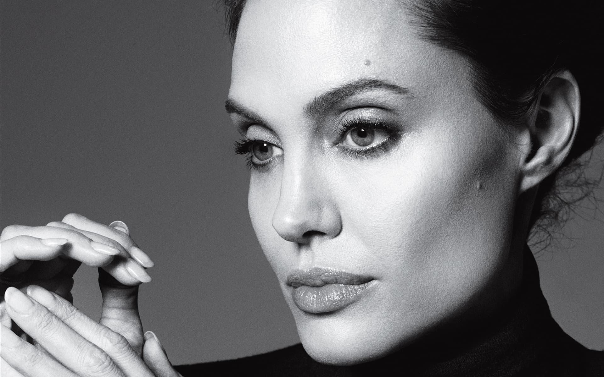 هشت فیلم سینمایی محبوب از آنجلینا جولی به مناسبت تولد 43 سالگی وی