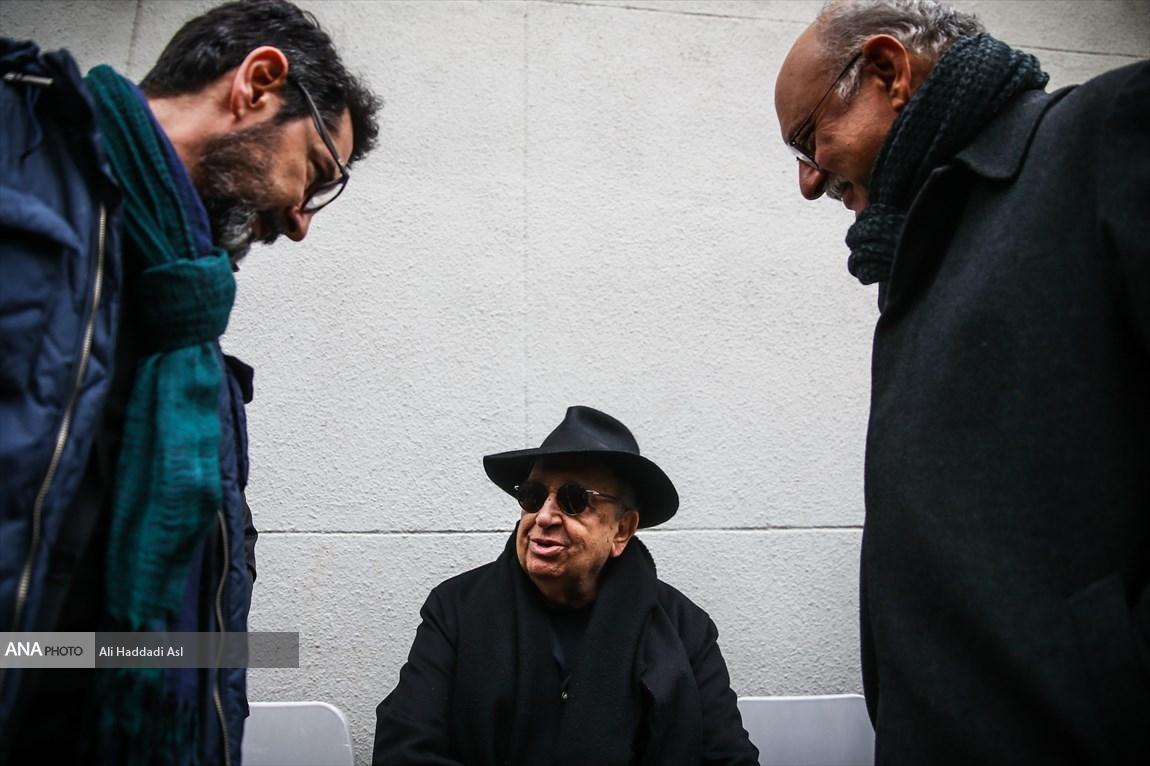 بابک کریمی و بهمن فرمان آرا در مراسم تشییع پیکر نصرت الله کریمی