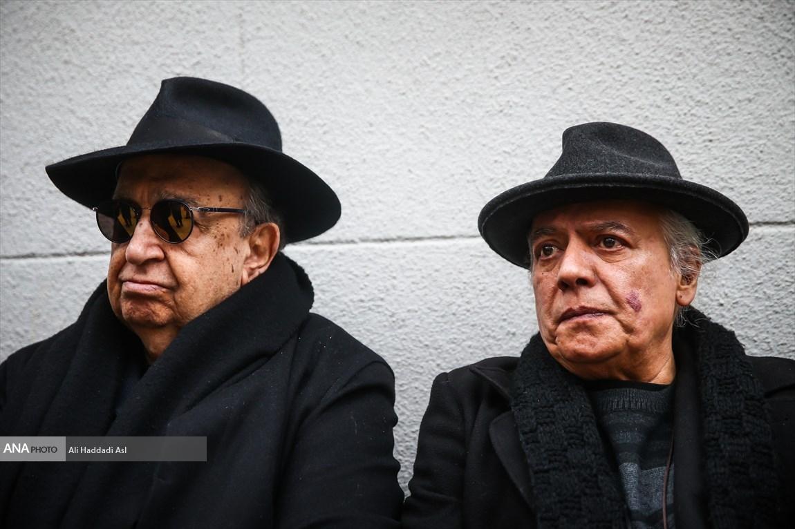 بهمن فرمان آرا و سیروس الوند در مراسم تشییع پیکر نصرت الله کریمی