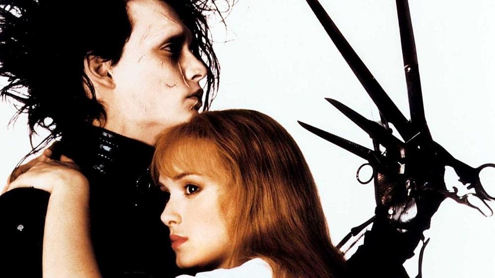 بهترین فیلم های سینمایی جهان در ژانر درام و عاشقانه - ادوارد دست قیچی (Edward Scissorhands)