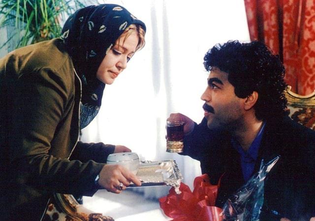 بهترین کمدی رومانتیک های ایرانی- نان و عشق و موتور ۱۰۰۰