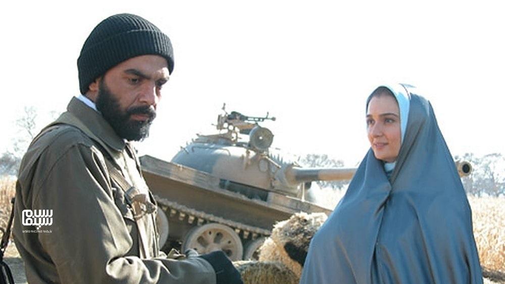 آتنه فقیه نصیر در مزرعه پدری- بهترین فیلم های عاشقانه جنگی ایرانی