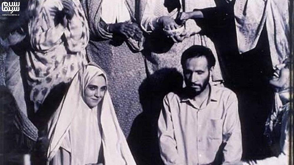 رویا نونهالی در جوانی با چادر- بهترین فیلم های عاشقانه جنگی ایرانی