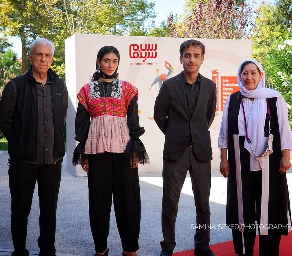راضیه منصوری، شهرام مکری و نگار اسکندرفر در مراسم اکران فیلم «جنایت بی دقت» در جشنواره فیلم ونیز 2020