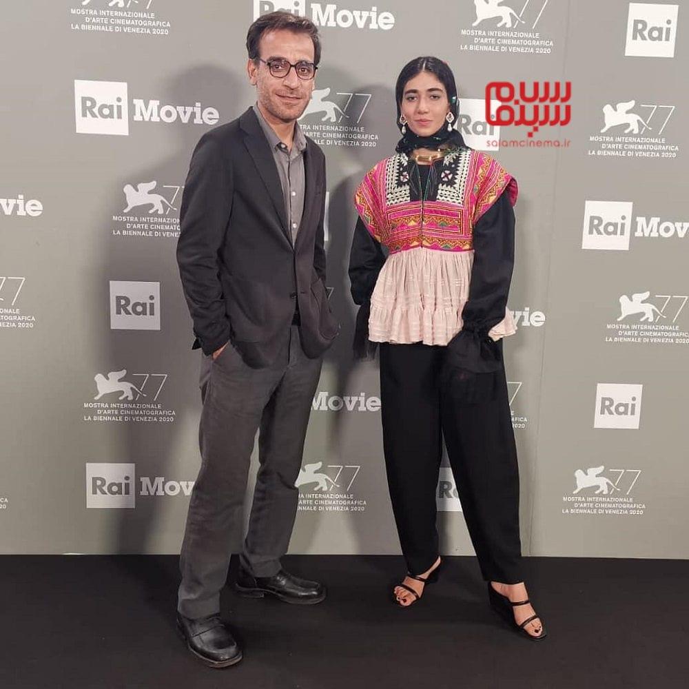 راضیه منصوری و شهرام مکری در مراسم اکران فیلم «جنایت بی دقت» در جشنواره فیلم ونیز 2020