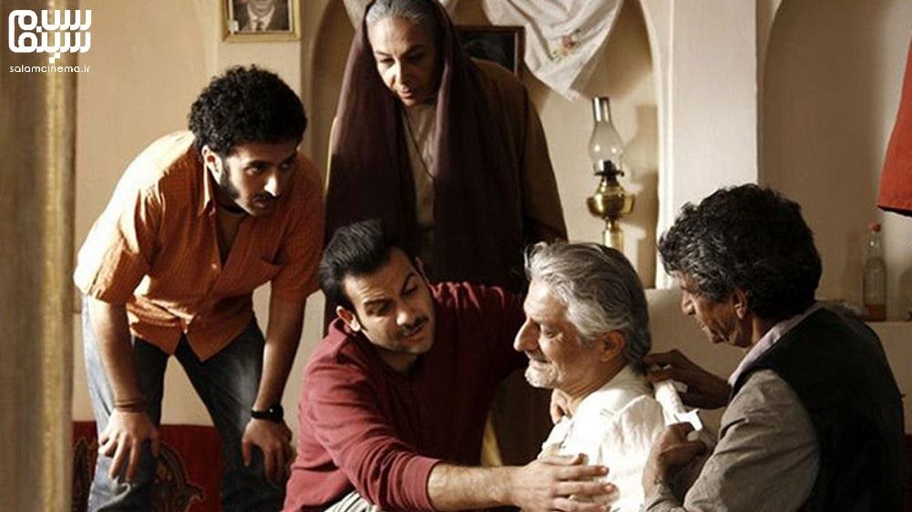 نمایی از فیلم خسته نباشید با یدالله شادمانی- روز جهانی سالمند-کاراکترهای شیرین و بامزه سینمای ایران