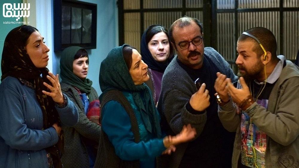 گلاب آدینه در کنار سعید آقاخانی و هومن سیدی و سارا بهرامی- روز جهانی سالمند-کاراکترهای شیرین و بامزه سینمای ایران