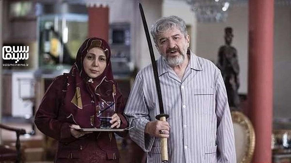امید روحانی با شمشیر در کنار بهنوش بختیاری- روز جهانی سالمند-کاراکترهای شیرین و بامزه سینمای ایران