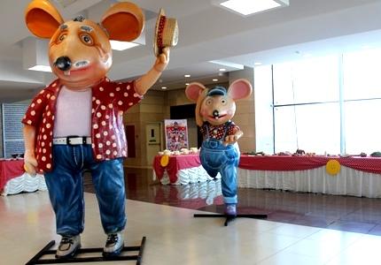 نخستین رونمایی «شهر موش ها 2»/ منیژه حکمت: این فیلم، فیلم کودک است و ما فیلم برای بزرگسالان نساختیم