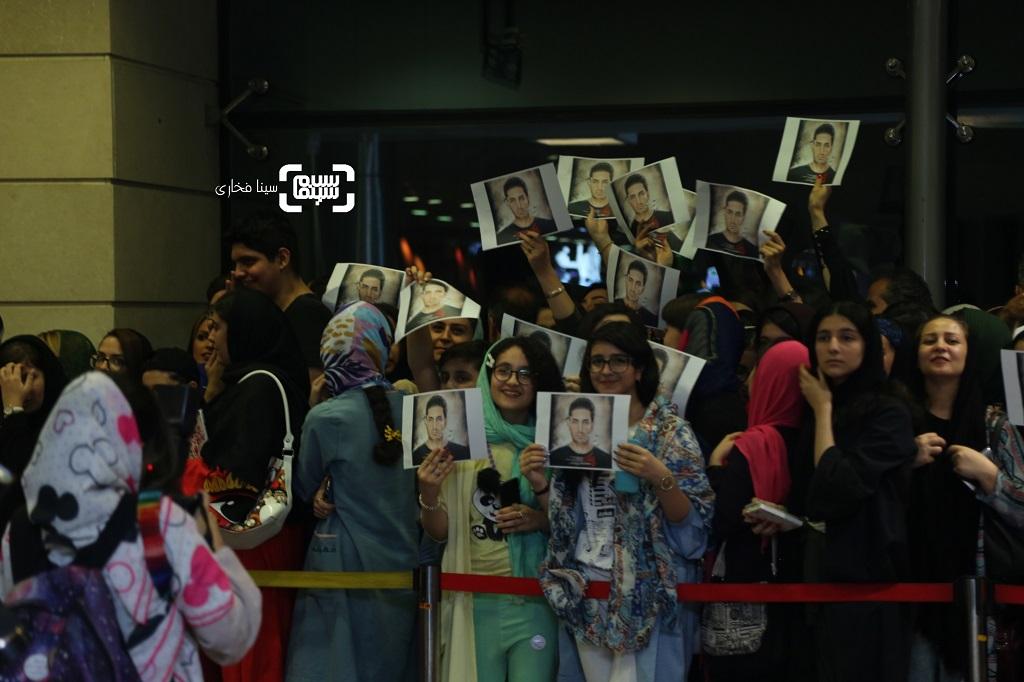 عکس طرفداران فرزاد فرزین در اکران خصوصی سریال نمایش خانگی «مانکن»/ گزاش تصویری