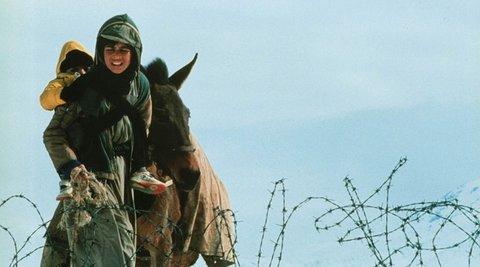 خارج از خیابان های پایتخت-دهه هفتاد- زمانی برای مستی اسبها