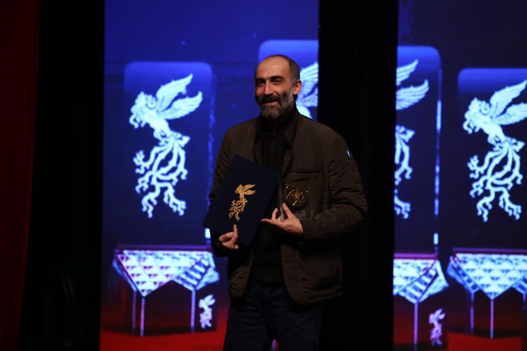جایزه وزارت ورزش و جوانان - هادی حجازیفر برای فیلمنامه «آتابای»