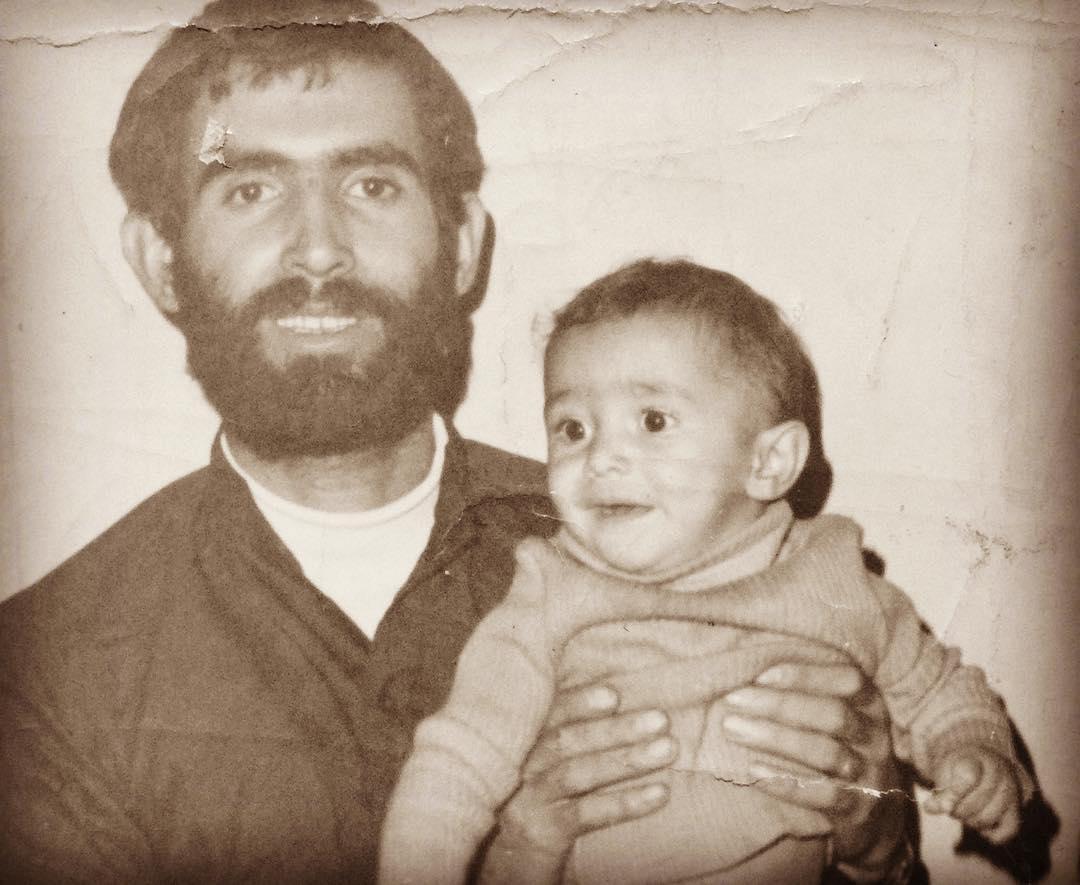 عکسی قدیمی از هادی کاظمی و پدرش