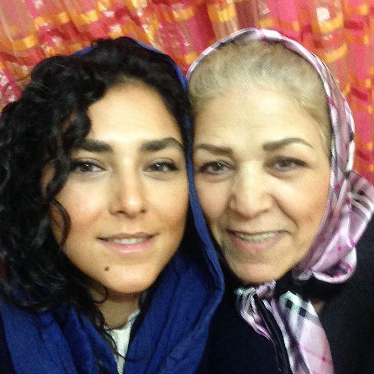 هدی زین العابدین و مادرش
