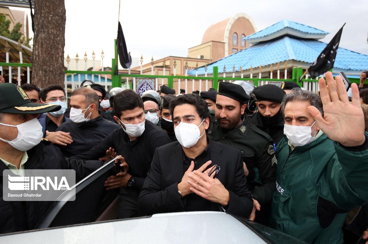همایون شجریان - تصاویر - مراسم اقامه نماز بر پیکر محمدرضا شجریان