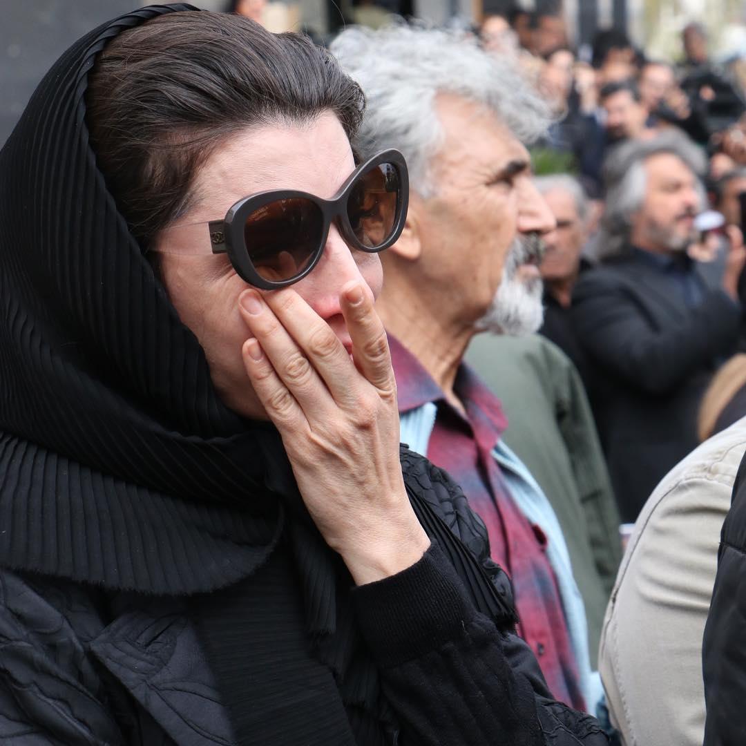 اشک های لیلا حاتمی - گزارش تصویری مراسم تشییع پیکر جمشید مشایخی