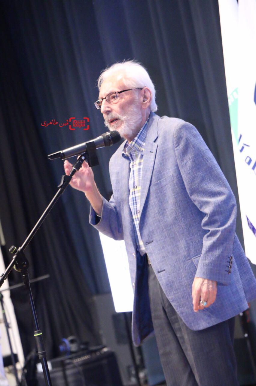 جمشید مشایخی  در یازدهمین جشن انجمن منتقدان و نویسندگان