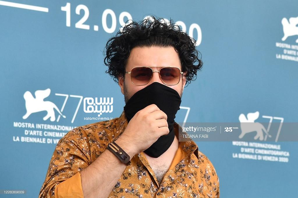 جواد عزتی در فوتوکال فیلم خورشید در جشنواره ونیز 2020
