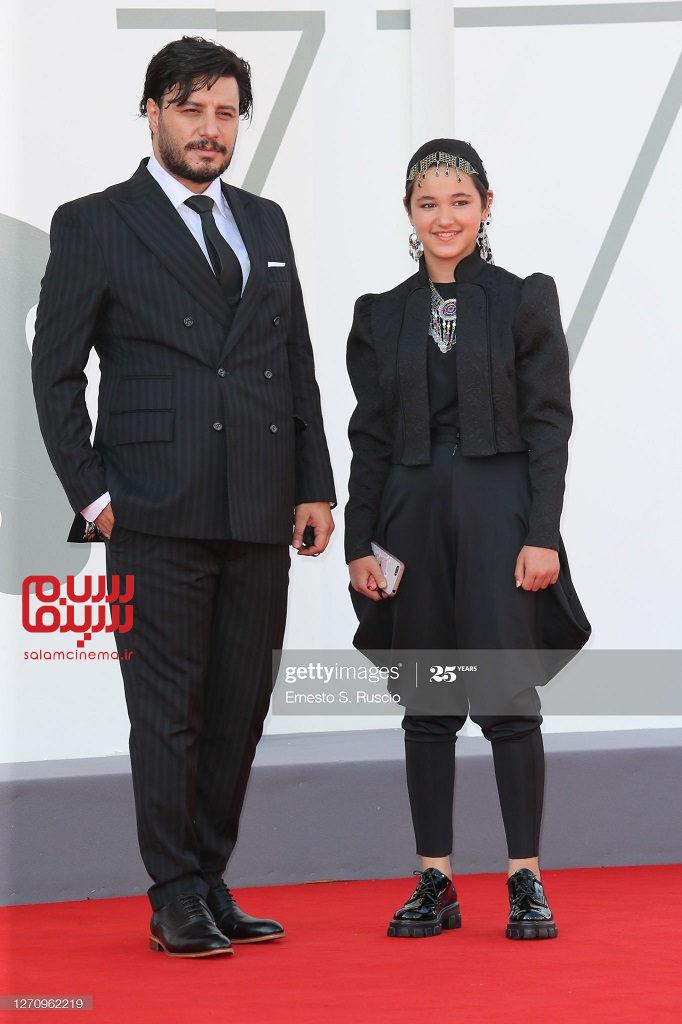 جواد عزتی و شمیلا شیرزاد در فرش قرمز فیلم خورشید در جشنواره فیلم ونیز 2020