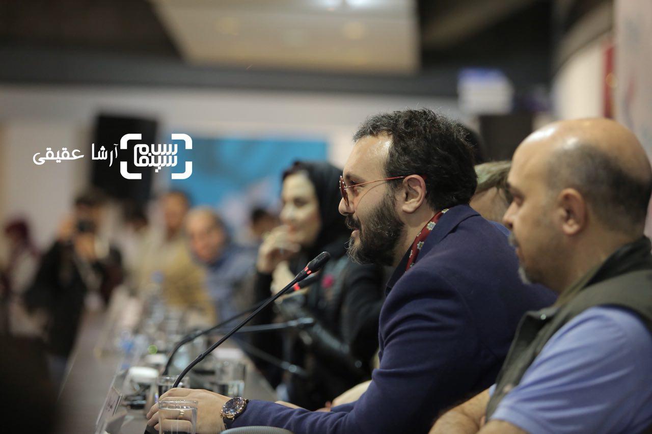 کامبیز دیرباز در اکران فیلم «سوءتفاهم» در کاخ رسانه سی و ششمین جشنواره فیلم فجر