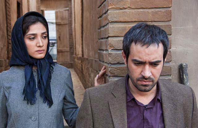 نمایی از فیلم خانه پدری با بازی شهاب حسینی و مینا ساداتی