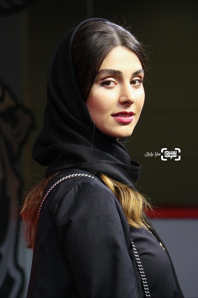 عکس لاله مرزبان در روز پنجم سی و هفتمین جشنواره جهانی فیلم فجر