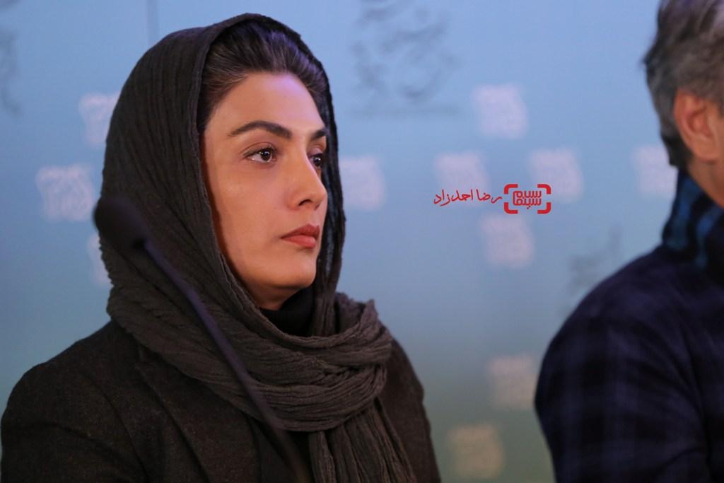 لیلا زارع در نشست خبری فیلم «خانه دیگری» در جشنواره فیلم فجر35