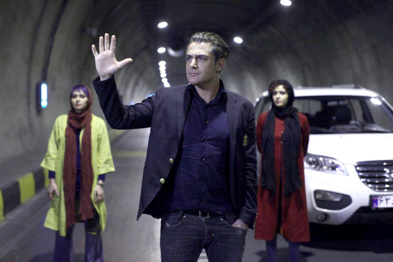 واکنش تند علی احمدزاده، کارگردان «مادر قلب اتمی» خطاب به گلزار