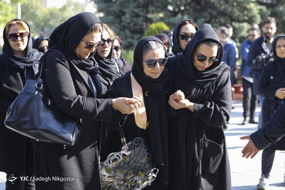 مراسم تشییع پیکر مجید اوجی - فلورا سام - لاله اسکندری - الهام پاوه نژاد