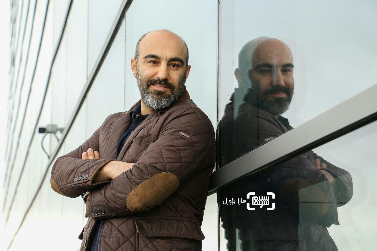 عکس محسن تنابنده در روز ششم سی و هفتمین جشنواره جهانی فیلم فجر