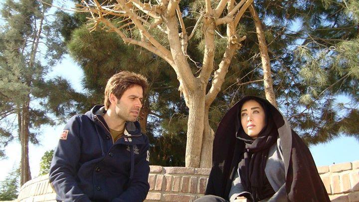 سارا منجزی پور و محمدرضا فرد در فیلم «چهارشنبه خون به پا میشود»