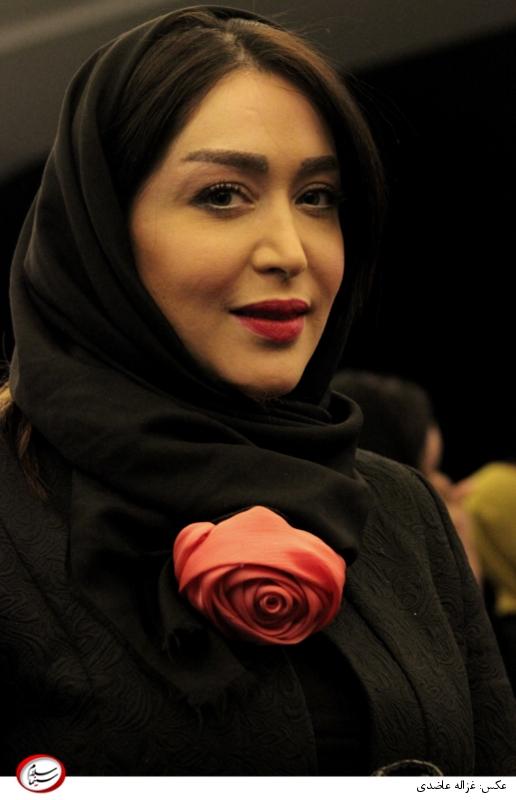 سارا منجزی پور در اکران خصوصی «چهارشنبه خون به پا میشود»