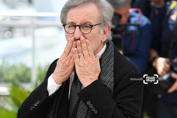استیون اسپیلبرگ در فتوکال فیلم «غول بزرگ مهربان»(BFG) در شصت و نهمین جشنواره فیلم کن