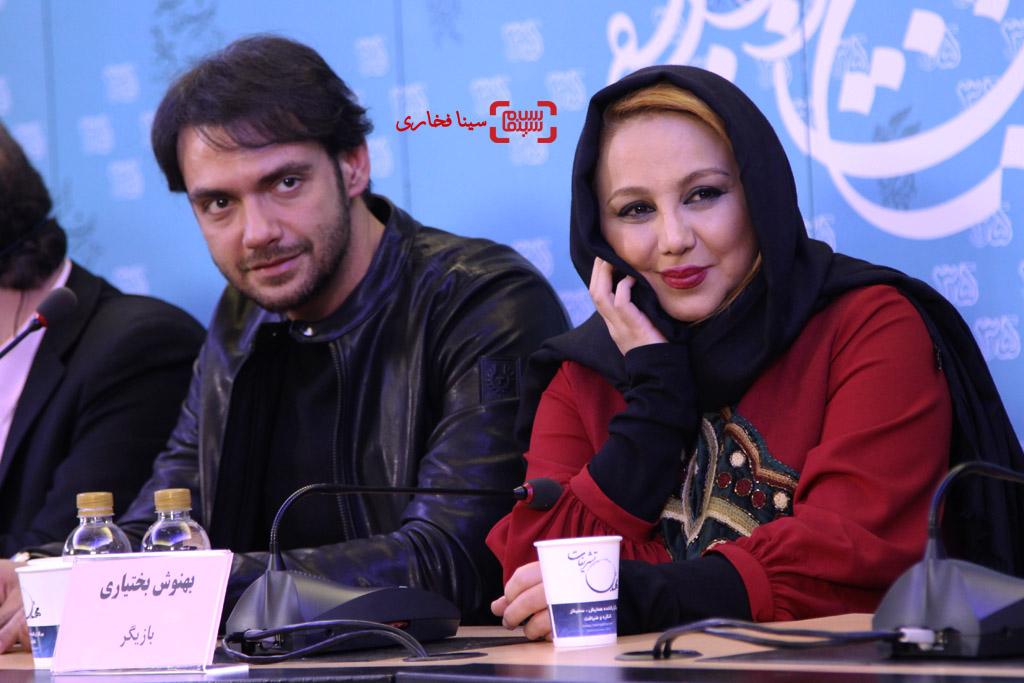 امیرعلی دانایی و بهنوش بختیاری در نشست خبری «انزوا» در سی و پنجمین جشنواره فیلم فجر
