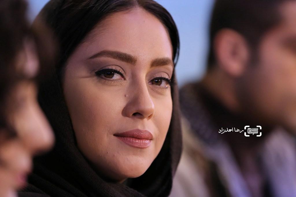 بهاره کیان افشار در نشست خبری فیلم «کمدی انسانی» در سی و پنجمین جشنواره فیلم فجر