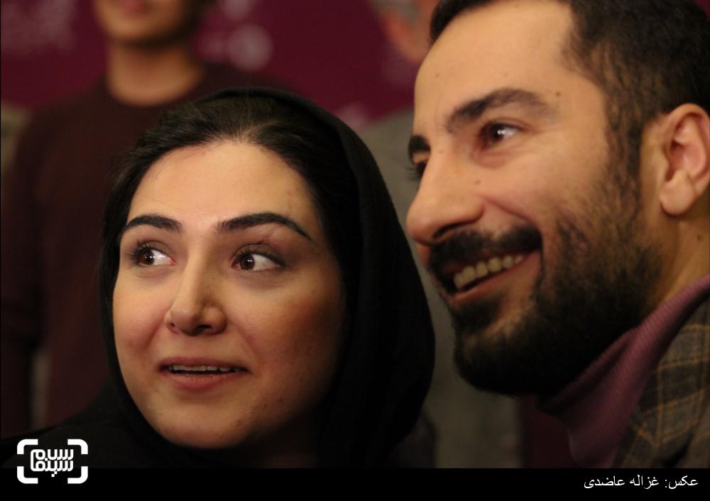 نويد محمدزاده و باران کوثری بر روی فرش قرمز فیلم «لانتوری» در کاخ سی و چهارمین جشنواره فیلم فجر
